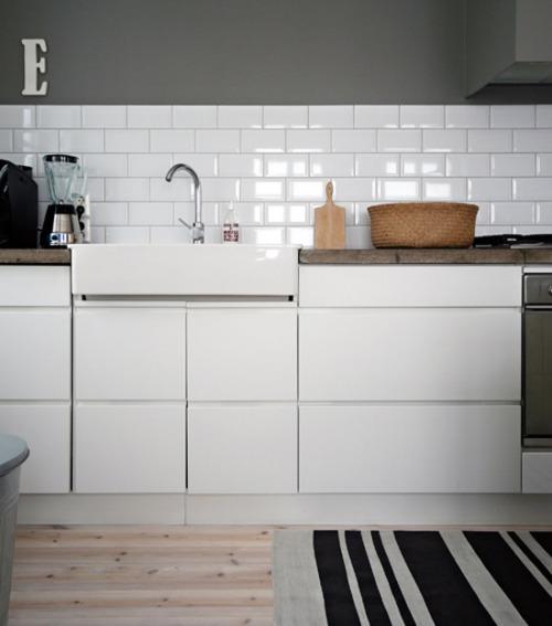 Ventajas de la pintura para azulejos - Cambiar azulejos cocina ...