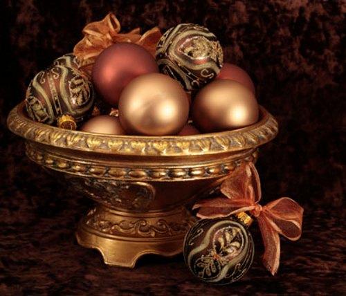 Ideas de centros de mesa para navidad for Mesa cristal y dorado