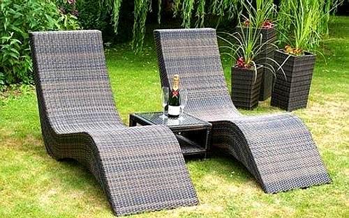 Limpieza de muebles de exterior de pl stico for Muebles para jardin pequeno