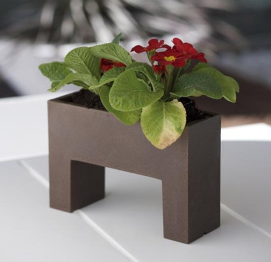 pequenas-macetas-decorar-hogar-nano-de-vondom-1