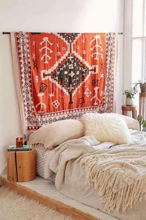 telas y tapices en el dormitorio