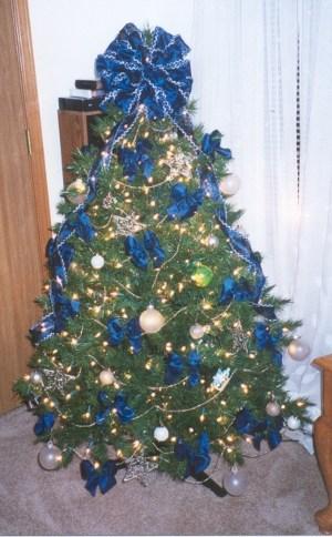 tips-decoracion-navidad-lazos-decorar-arbol-navidad-6