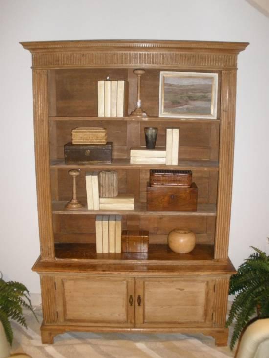 Uso del papel abrasivo o lija para restaurar muebles de madera - Muebles para restaurar baratos ...